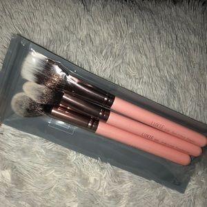 3 piece pixie brush set!